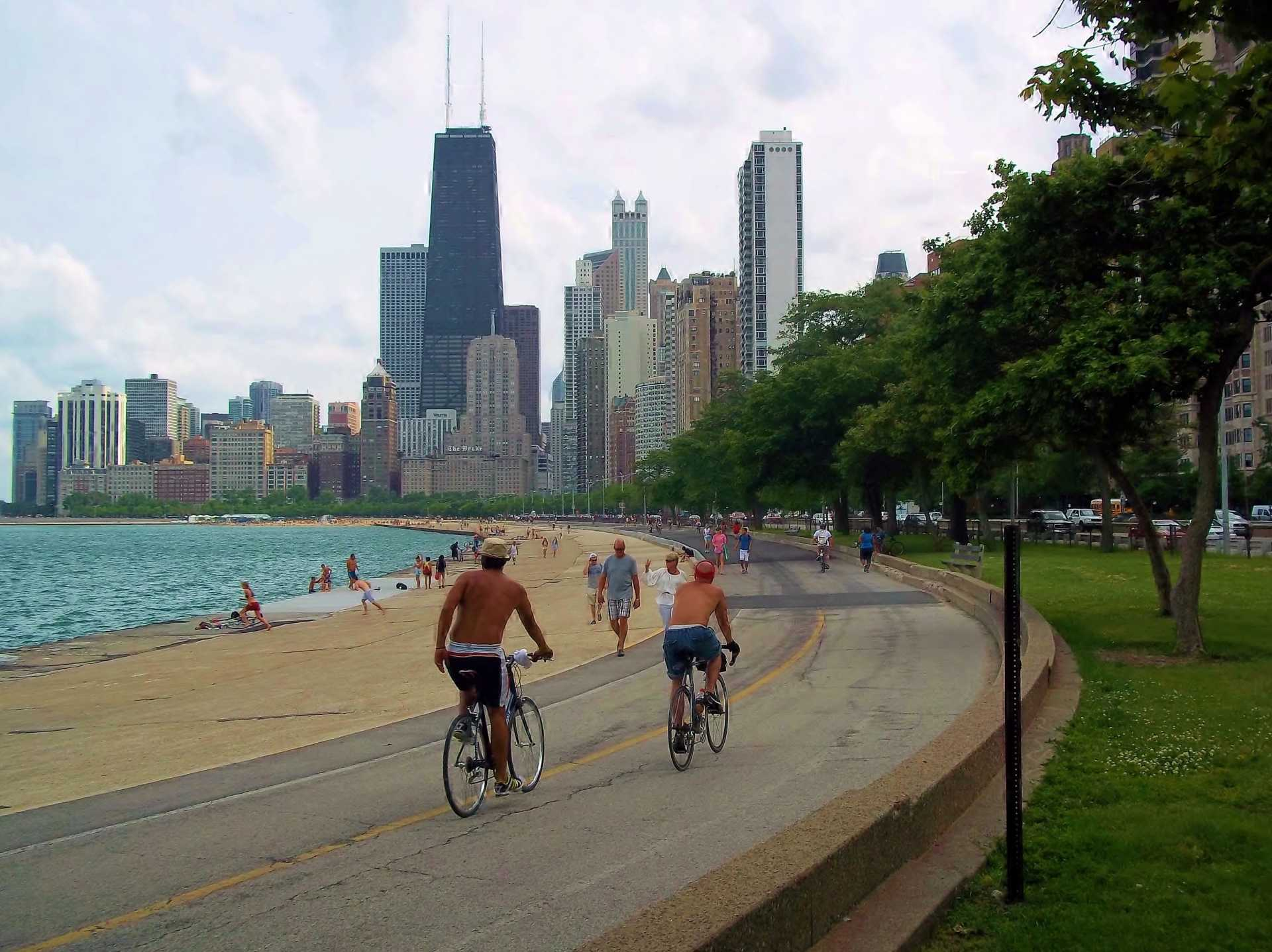 bike trail on Chicago Lakefront